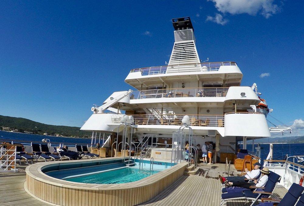 Det er små cruiseskip med turister som er villig til å betale godt for opplevelser i land vi bør satse på i fremtiden.                       Foto: Odd Roar Lange