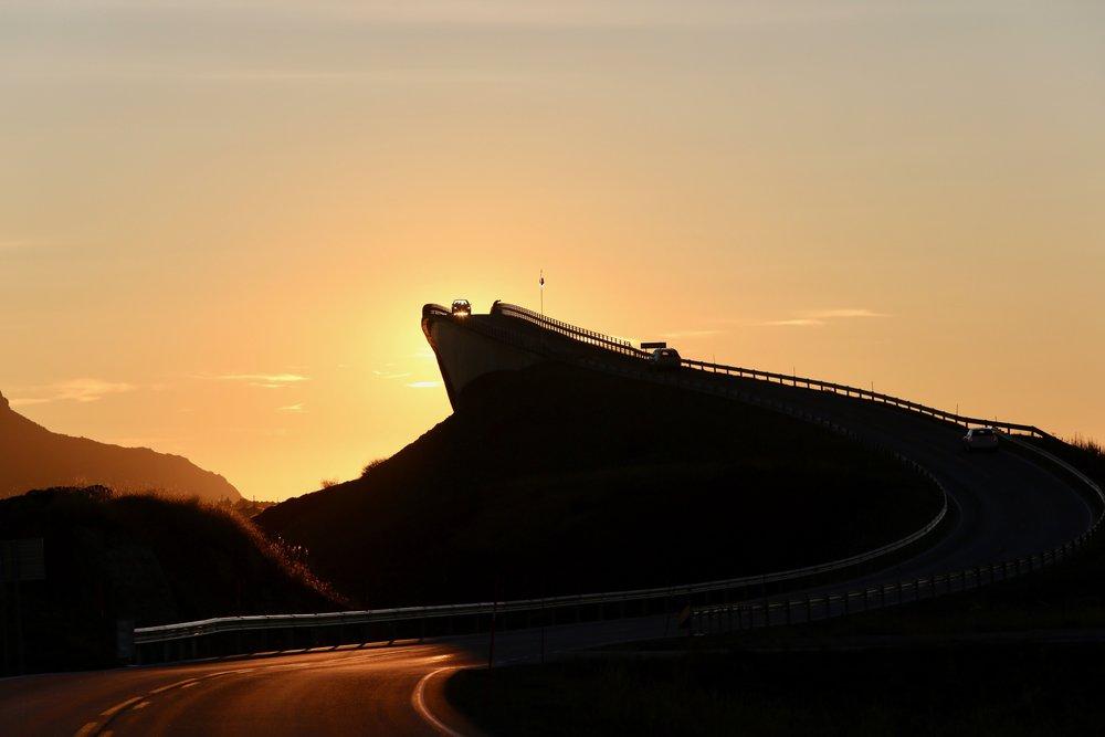 Den fineste reisen mellom Kristiansund og Molde går denne vegen - Atlanterhavsvegen. Foto: Odd Roar Lange