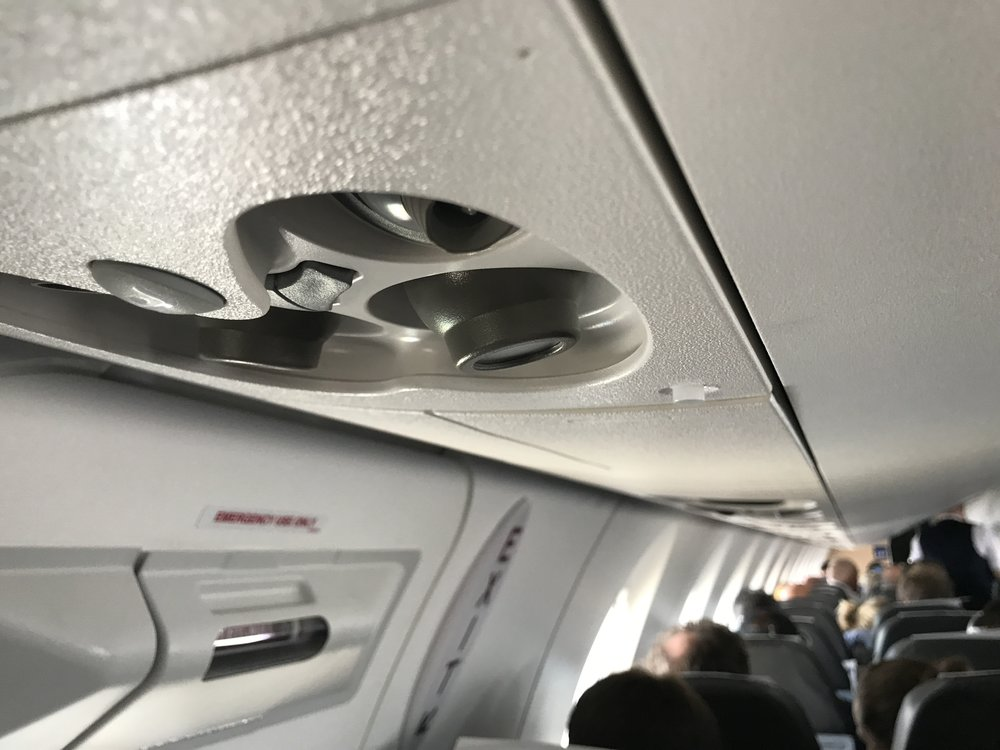 Ikke hold fingrene av fatet. Disse ventilene kan gjerne stå åpne når du flyr. Foto: Odd Roar Lange