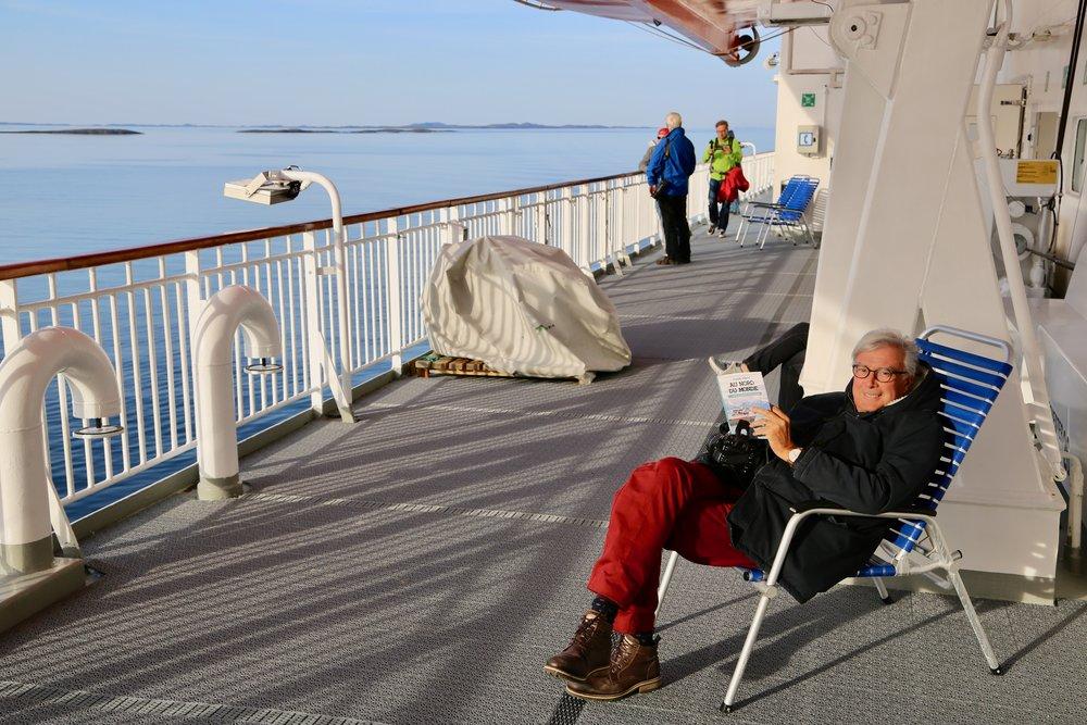 La oss satse mer på de turistene som vil betale mer for eksklusive opplevelser, som en reise med Hurtigruten og opplevelser på reisen.                           Foto: Odd Roar Lange
