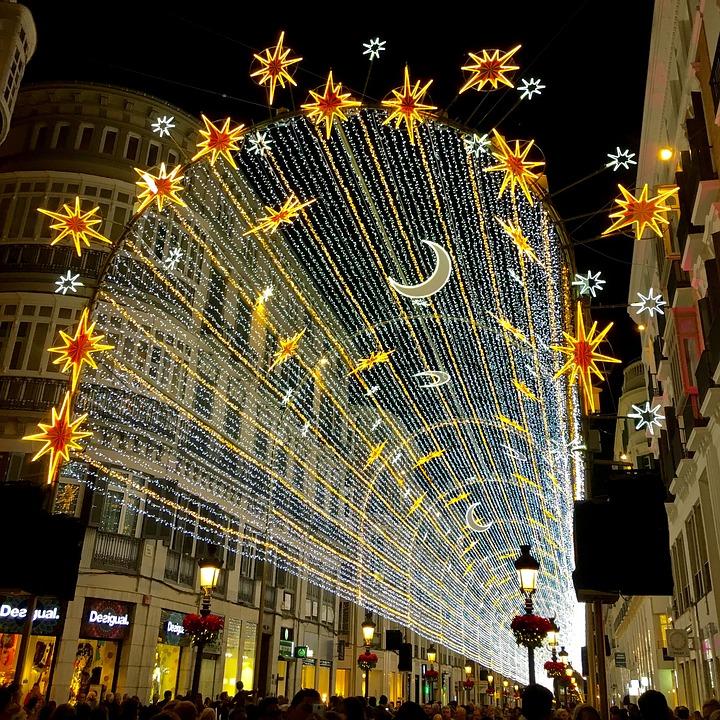 Mange nordmenn drar til Malaga i jula. Foto: Manolo Franco