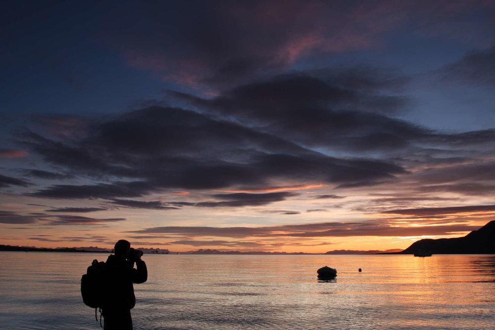 Sommernatt på Svalbard.      Foto: Frank Andreassen/www.nordnorge.com/Longyearbyen