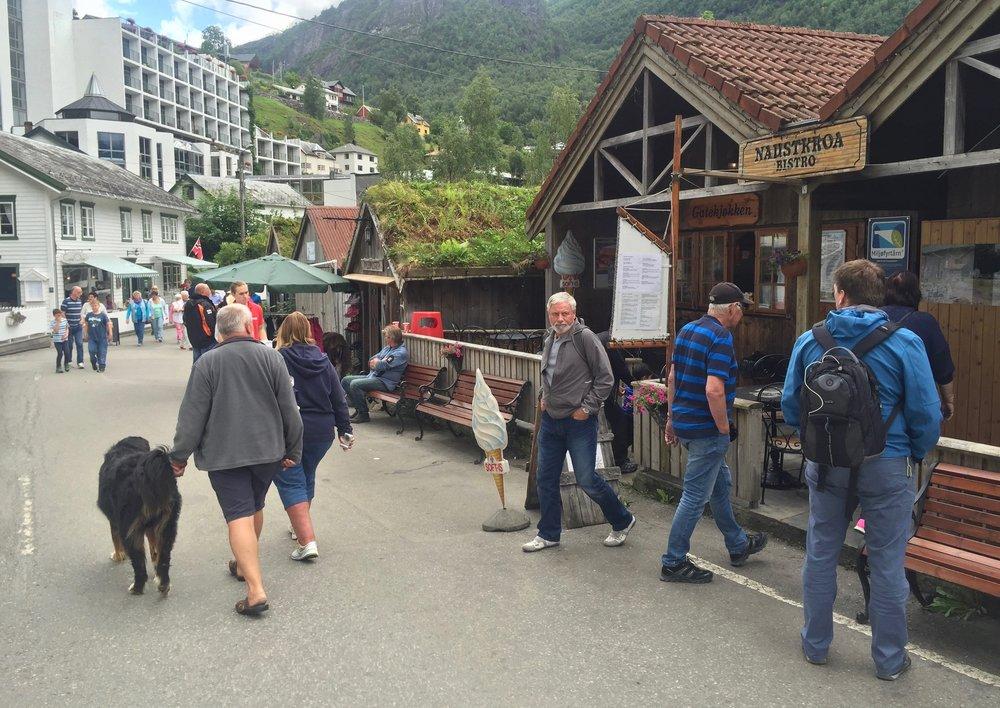 Norge trenger ikke flere gjester, men turister som vil betale mer - hvis pengene blir igjen i Norge.            Foto: Odd Roar Lange