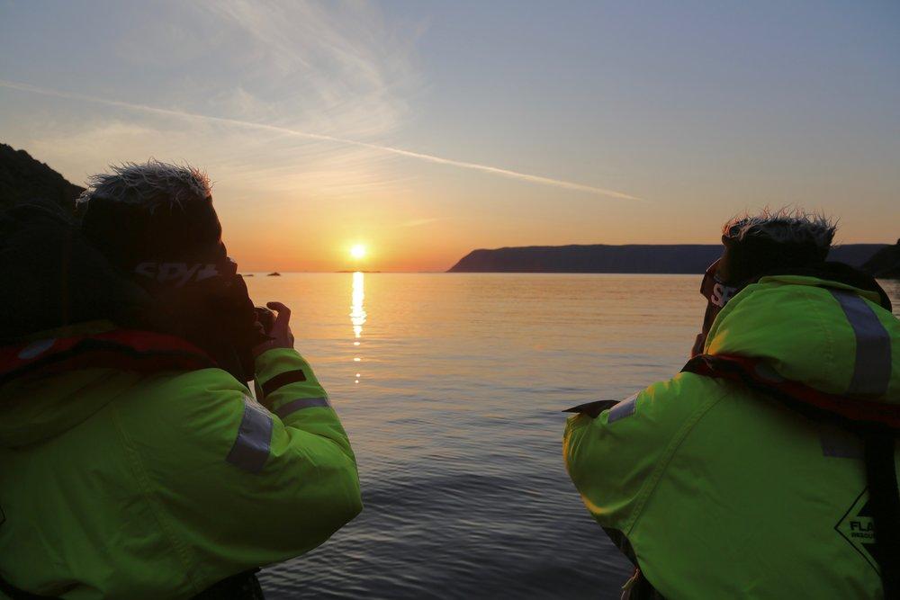 Lyset er på det vakreste når sola er så vidt over horisonten.    Foto: Odd Roar Lange