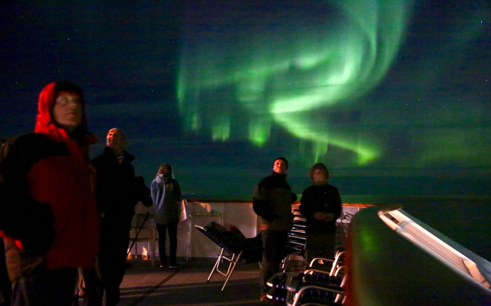 Nordlyset fra dekket på MS Nordkapp.             Foto: Odd Roar Lange