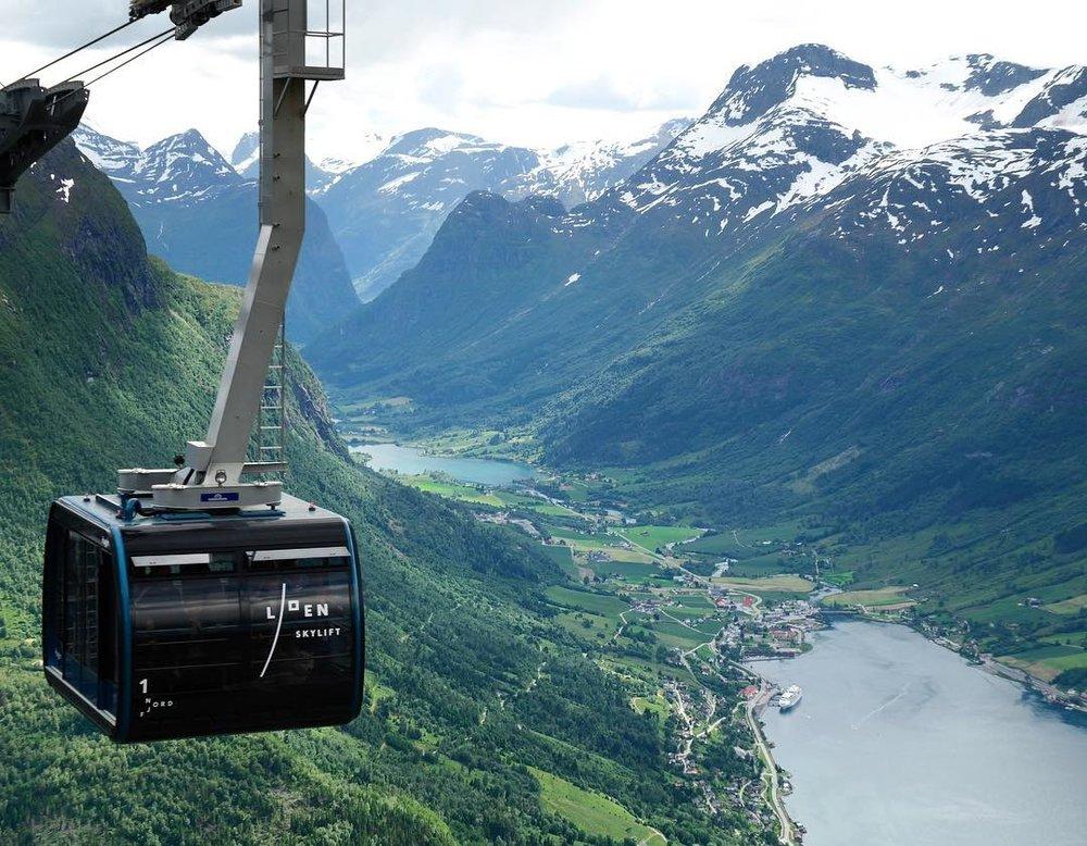 Luftigere enn dette blir det ikke ...                Foto: Loen Skylift