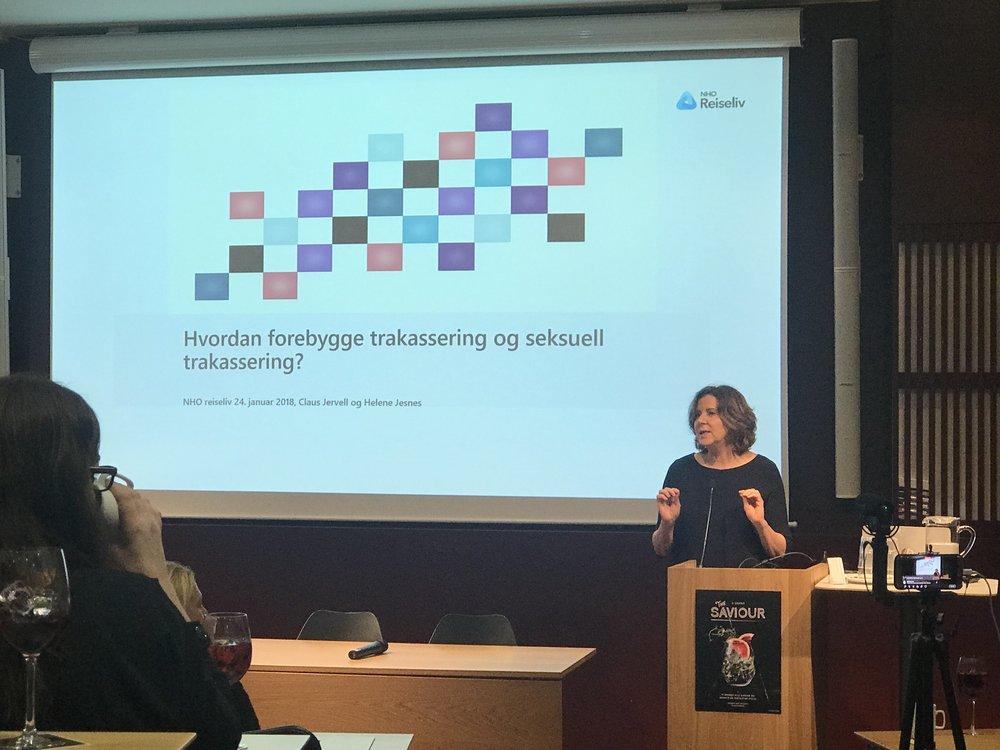 Likestillings- og diskrimineringsombud Hanne Bjurstrøm på konferansen. Foto: Øystein Eian, NHO reiseliv