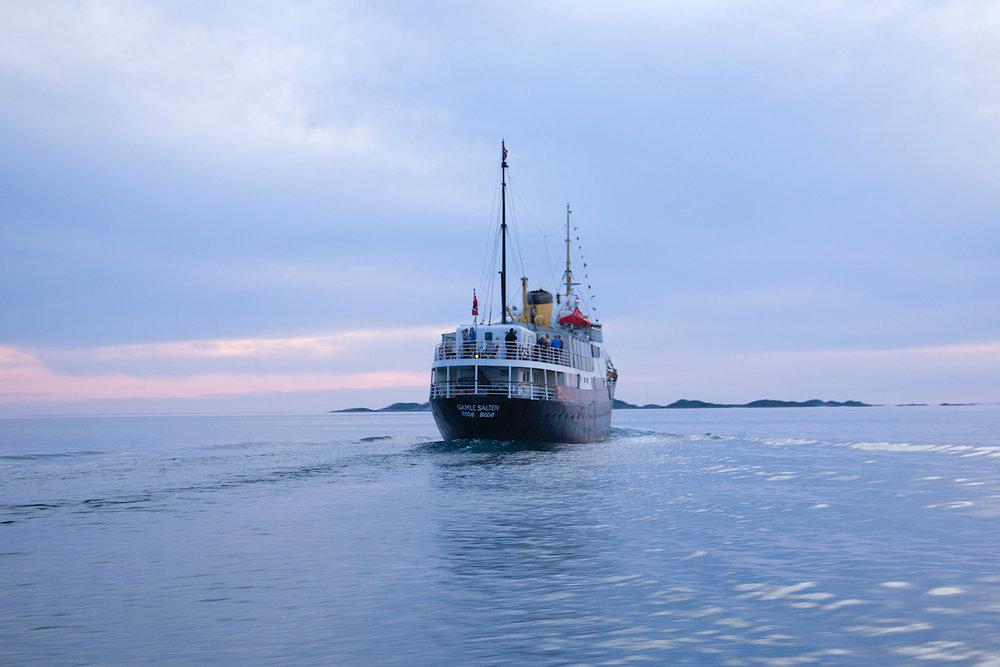 MS Gamle Salten blir base for sommerturene.       Foto: Sverre Hjørnevik