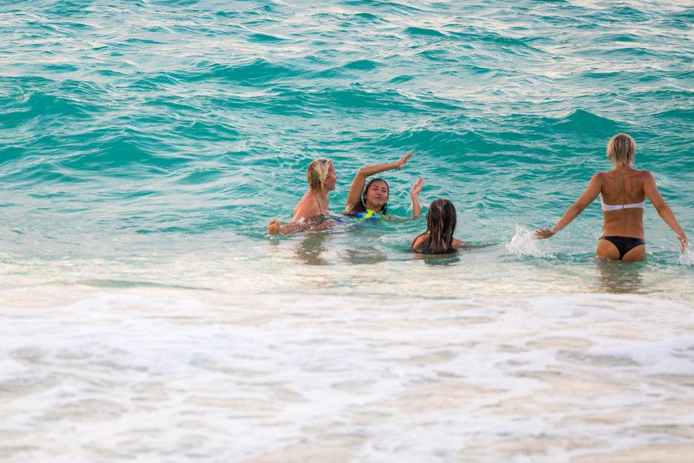 Hawaii_PlayingintheOcean.jpg