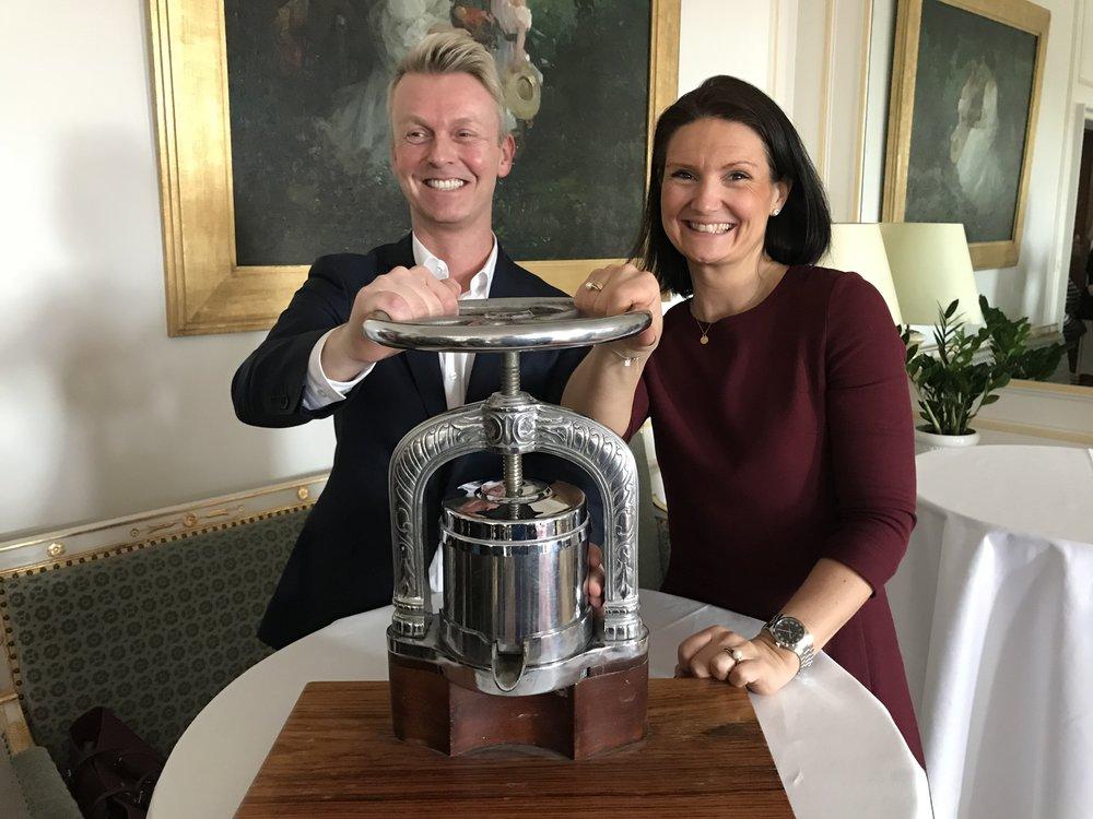 Restaurantsjef Øyvind Bruland og salgssjef Janine Medhus Dickens fra Theatercaféen/Hotel Continental.                                     Foto: Odd Roar Lange