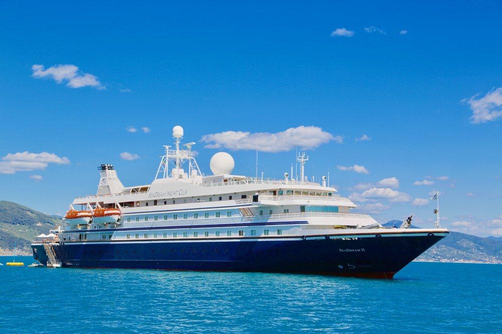 Seadream II - et luksuscruise for deg som vil ha noe annet enn de store cruiseskipene. Foto: Odd Roar Lange