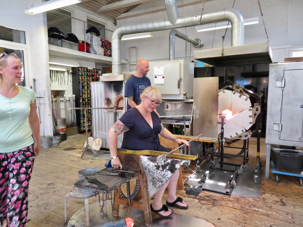 Pernille Bülow Glassblåseri i byen Svaneke på Bornholm.       Foto: Odd Roar Lange