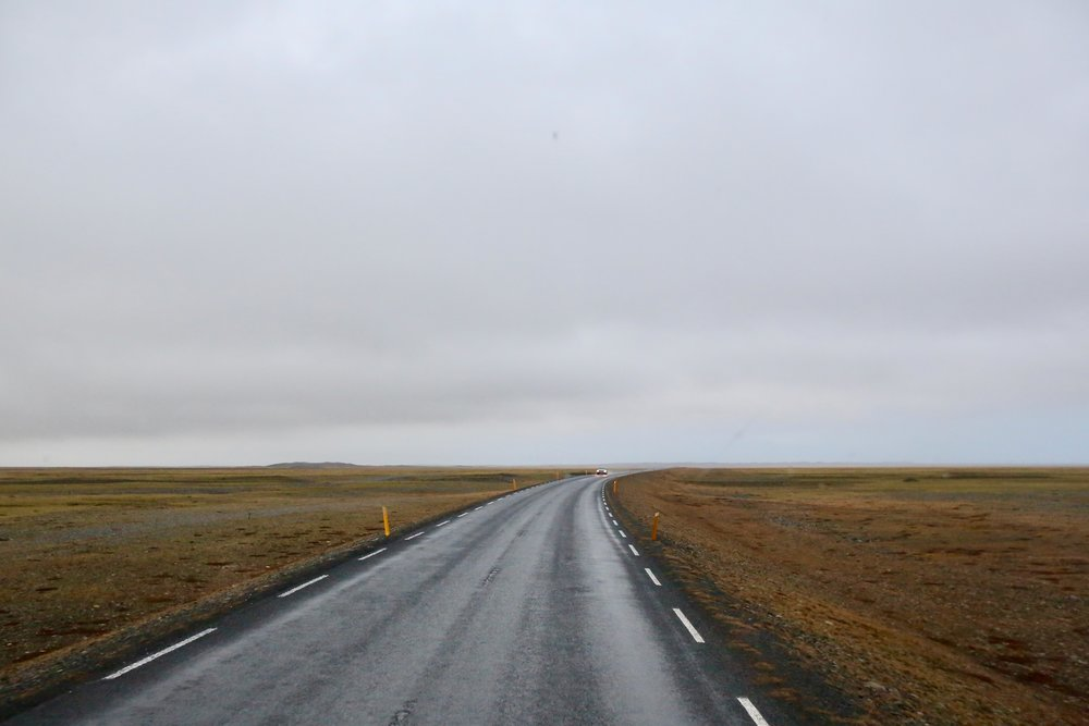 Smale, men lange veger. Det venter deg hvis du skal på rundtur på Island. Foto: Odd Roar Lange