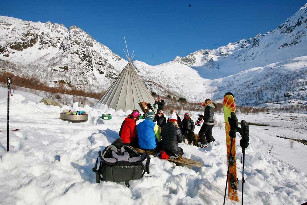 Vinterturismen i Nord Norge øker kraftig. Her fra skiturisme i Lofoten. Foto: Odd Roar Lange