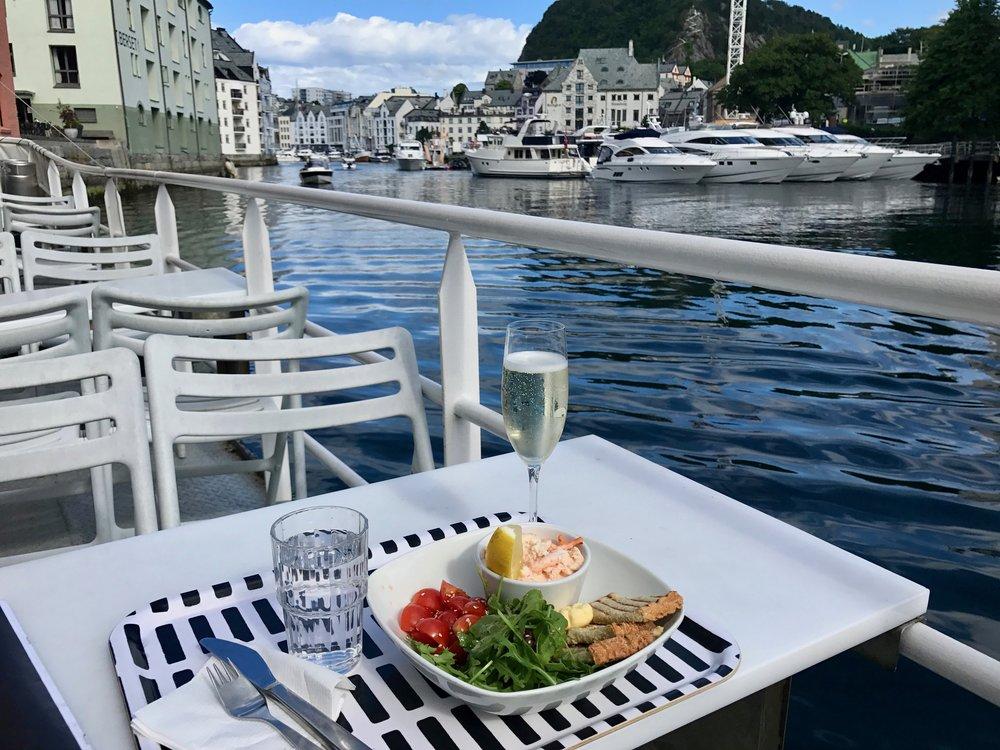 God mat på menyen. Reiselivskjøperne skal få en smak av Nordvestlandet. Foto: Odd Roar Lange