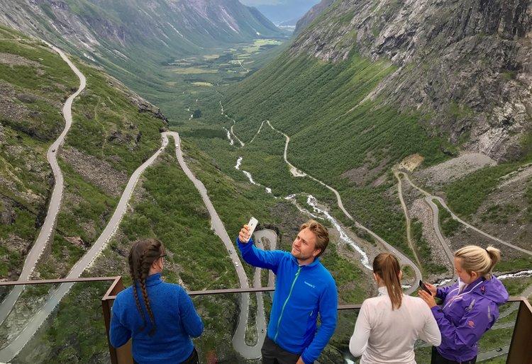 Populære Trollstigen. Foto: Odd R. Lange