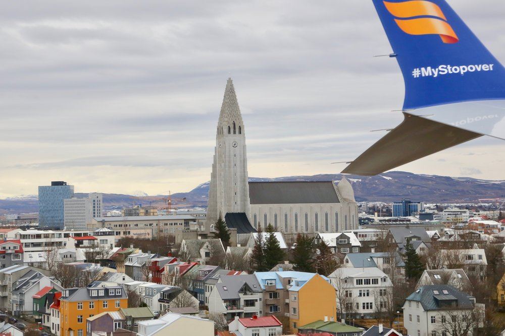 Ikke vær redd for å bruke en del av flyet som kontrast til motivet på bakken. Foto: Odd R. Lange