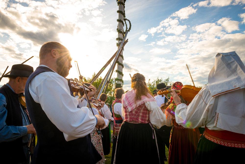 Midtsommerfest i Dalarna. Foto: Kola Production/Visit Sweden