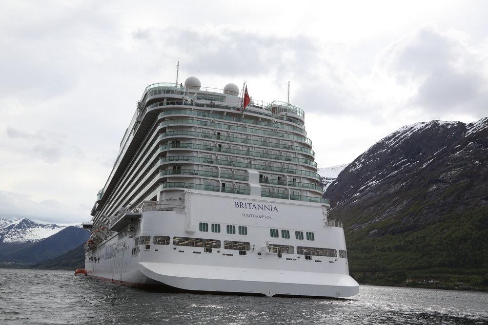 Rekk opp hånda, de som tror at dette er et bilde av bærekraftig turisme. Foto: Odd Roar Lange