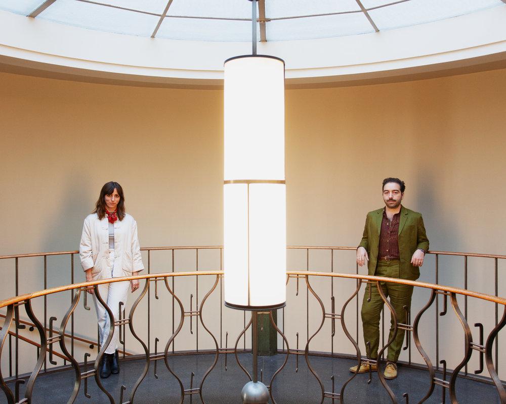 Interiørdesignerne Alice Lund og Adam Greco. Foto: Chris Aadland