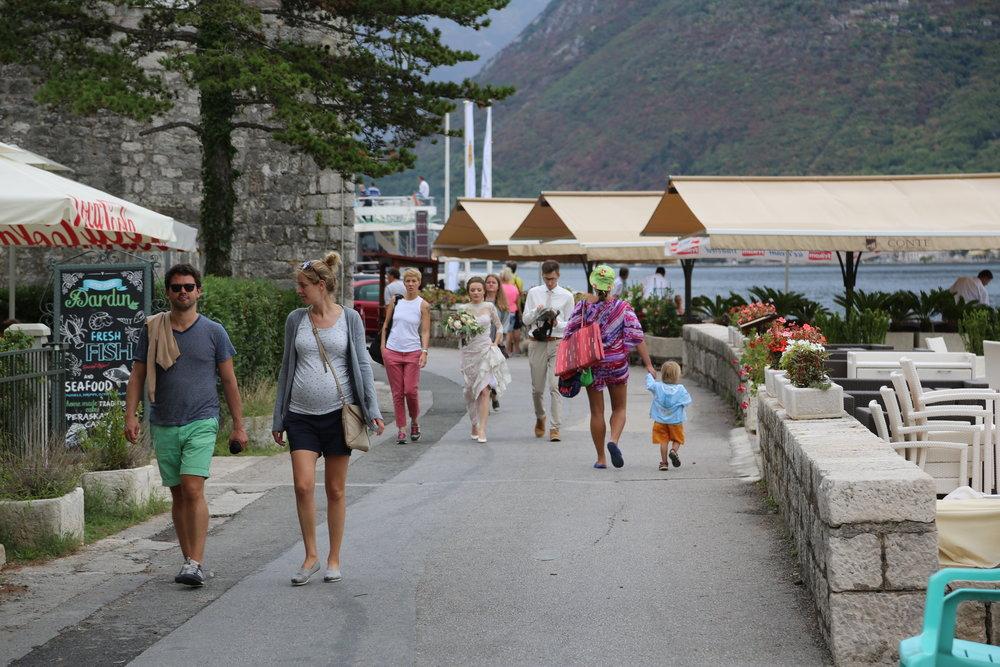 Havnepromenaden i Perast. Foto: Odd Roar Lange