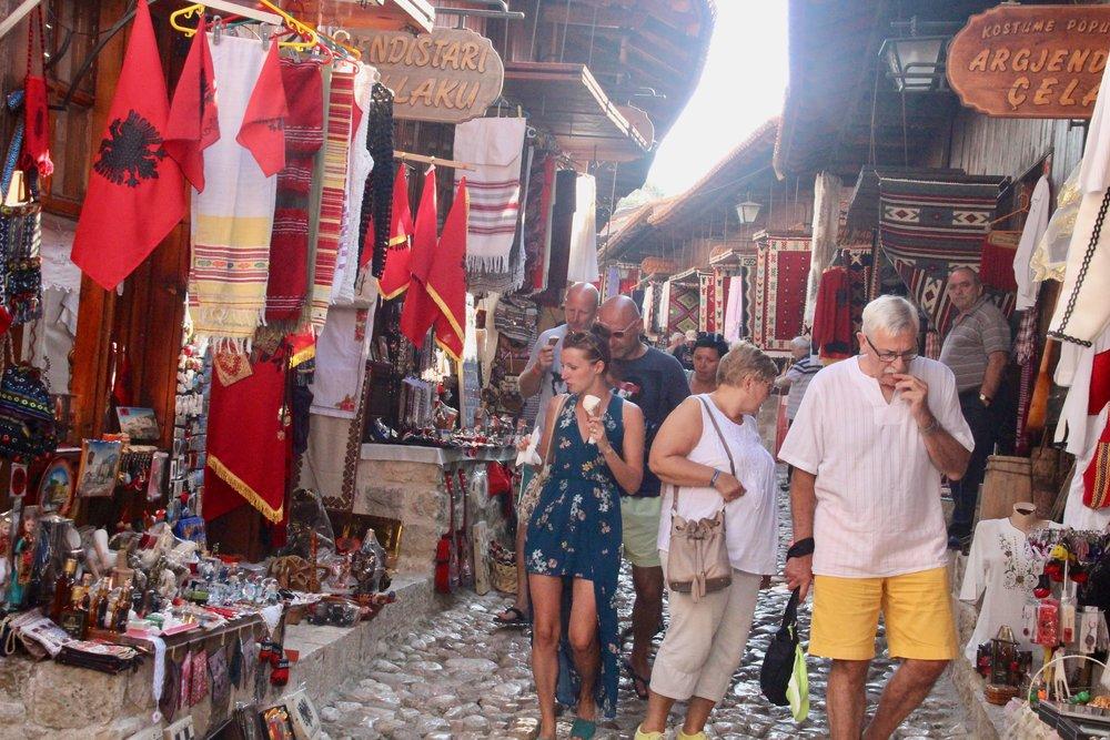 Se østover, dra til Albania. I alle fall hvis du vil ha veldig mye for pengene og et nytt og spennende land. Foto: Odd Roar Lange