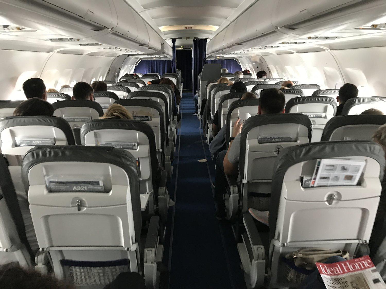 toalettsaker på fly