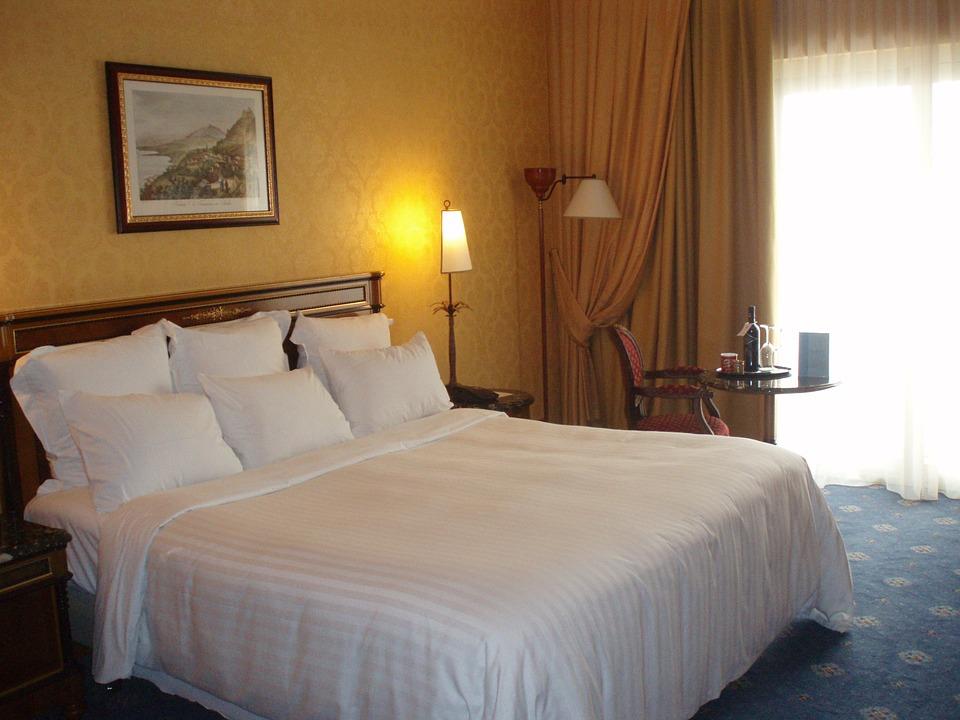 hotel-741047_960_720.jpg
