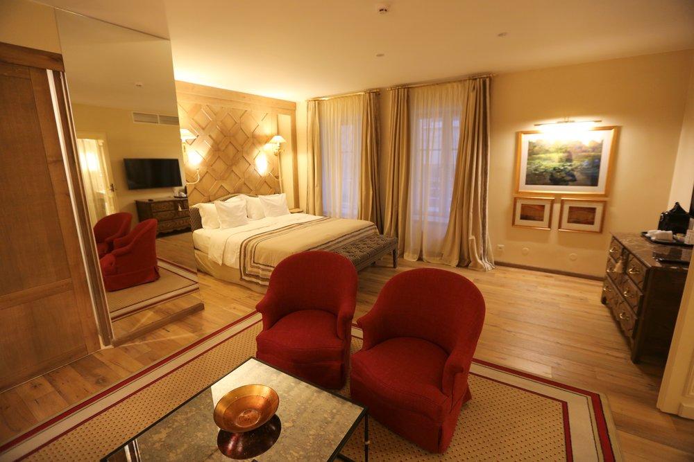 Vilnius har mage hotell midt i byen. Husk å bestille direkte ved hotellet. Foto: Odd Roar Lange