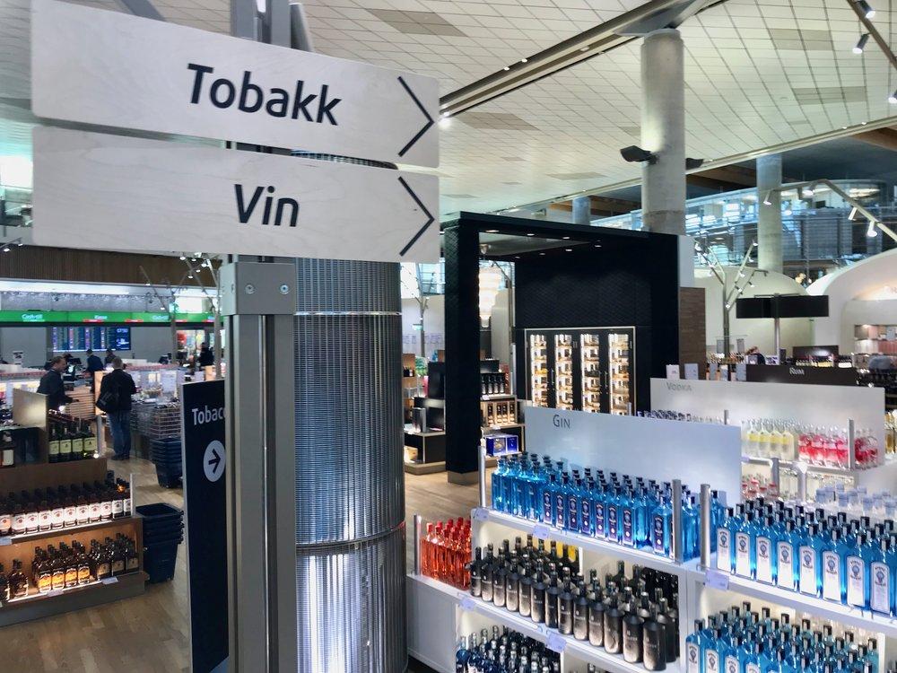 Lettere å bære etter taxfree-shoppingen. I alle fall hvis du bor i Avinors testområde. Foto: Odd Roar Lange