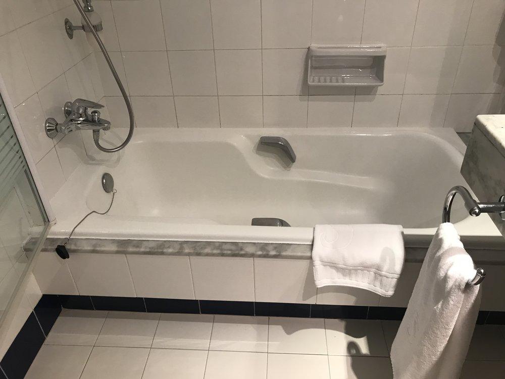 Hvordan tror du badekaret blir vasket - og tørket? Foto: Odd Roar Lange