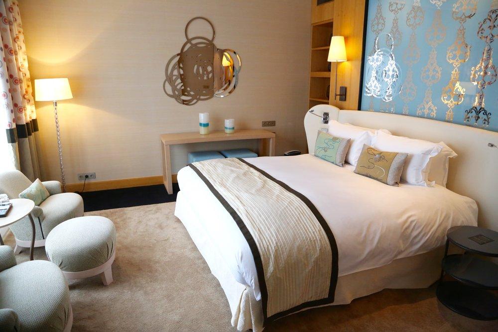Vet du hvordan du kan spare mye penger på hotelloppholdet? Husk å bestille på søndager - og ring helst direkte til hotellet. Foto: Odd Roar Lange