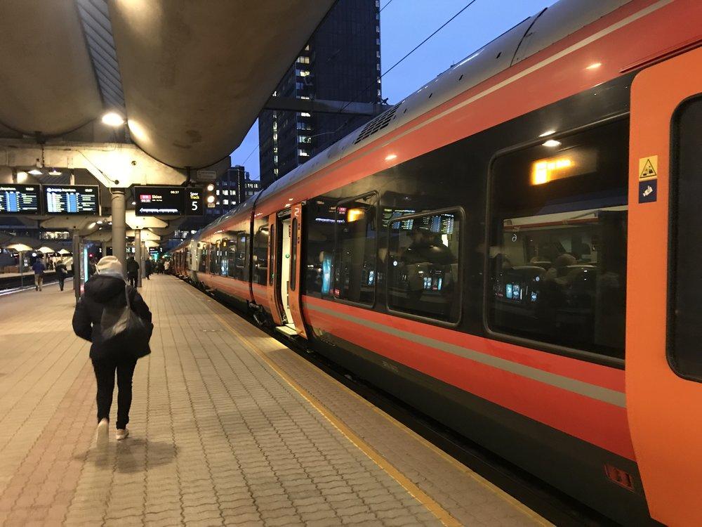 Ta toget - og deretter buss når du skal til Hemsedal i vinter. Foto: Odd Roar Lange