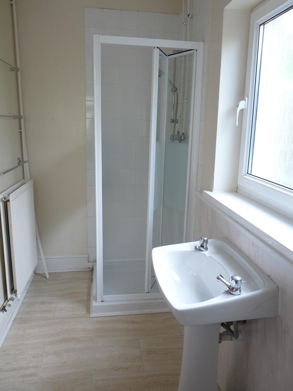 20 Bathroom Downstairs.JPG