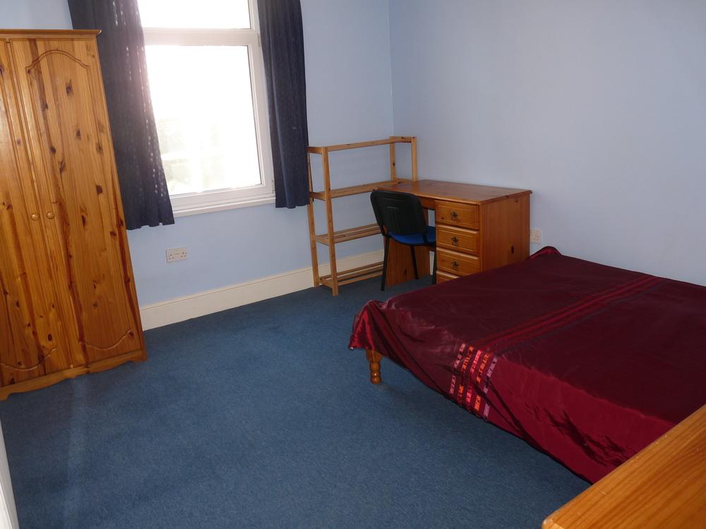 20 Bedroom 4.jpg