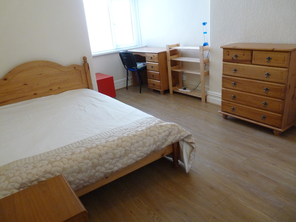20 Bedroom 6.jpg