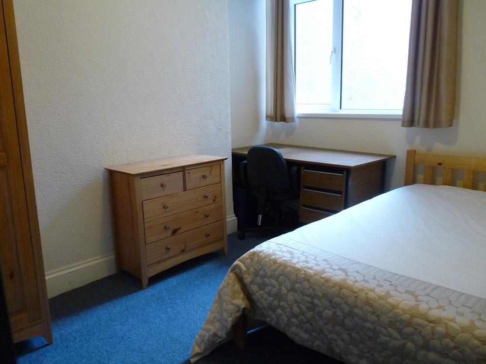 30 Bedroom 4.jpg