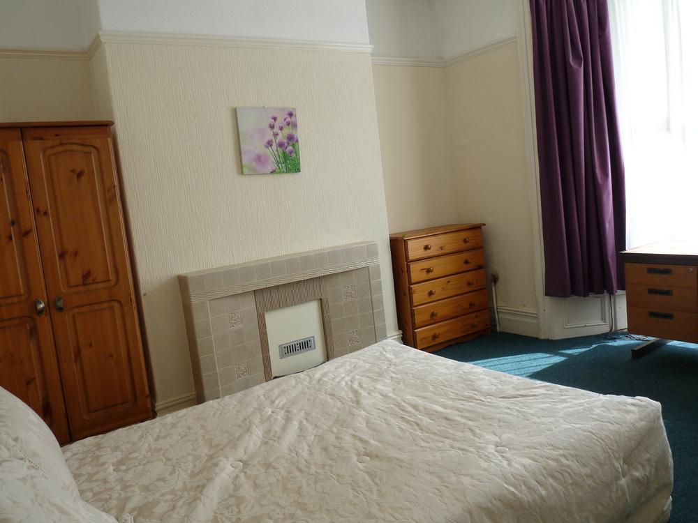 104 Bedroom 4.JPG
