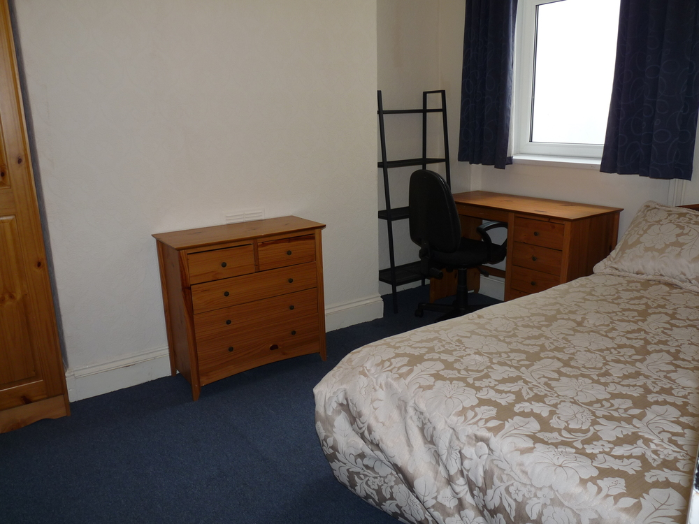 181 Bedroom 5.JPG