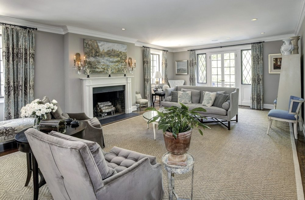 2446-Belmont-Road-NW-Washington-DC-Obamas-New-Home-Living-Room-1200x788.jpg