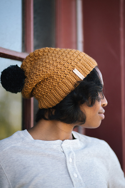 Pom Beanie TL Yarn Crafts