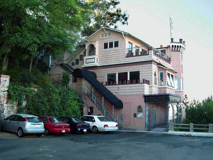 J ulius' Castle today , little changed, at the north end of the  Montgomery Street  cul-de-sac 150 feet below  Coit Tower .  Sadly, the restaurant closed down in 2008 after 84 years of operation.