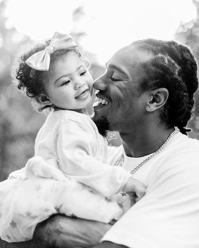 I was so honored when I was reached out to last year to photograph @shaqthompson of the Carolina Panthers and his daughter Kya together in a family session. It was a semi rainy day, and we caught these at @dukemansion. Shaq was a really nice and easy going Dad, and Kya was the sweetest little one year old! It was easy to see how much this Dad loves his daughter, and the connection they have. No matter who you are, the moment you have kids, they become your everything. 💕 #familyfirst #dadsanddaughters #thejoyofparenthood