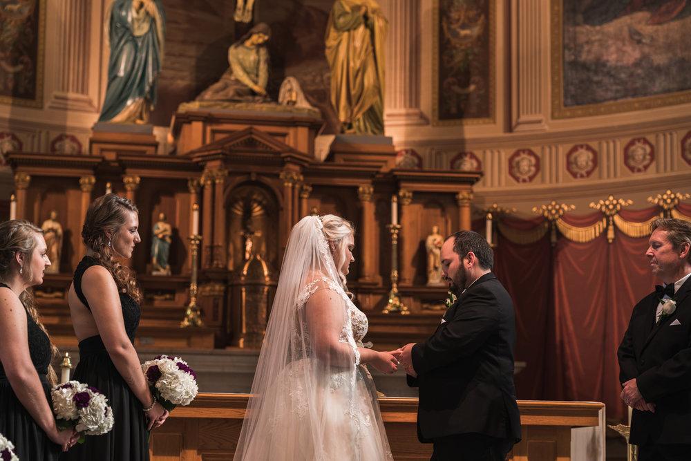 Newport Aquarium Wedding Destination Wedding Photographers Cincinnati-3.jpg