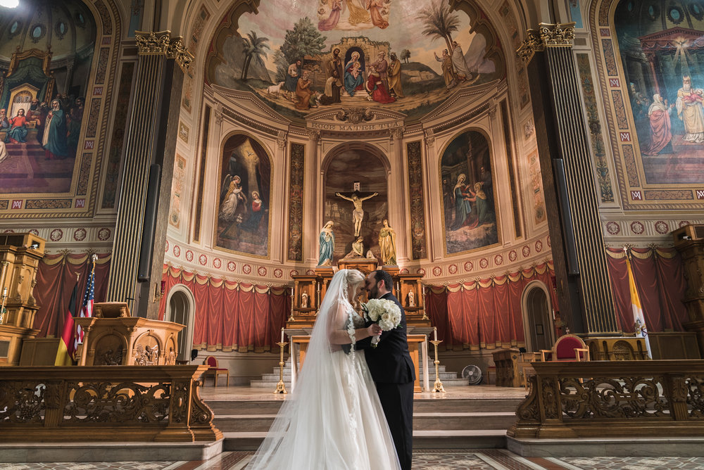 Newport Aquarium Wedding Destination Wedding Photographers Cincinnati-10.jpg