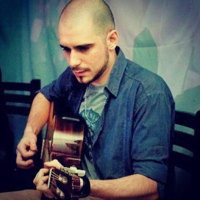 Online Guitar Lessons with Esteban Miranda 2.jpg