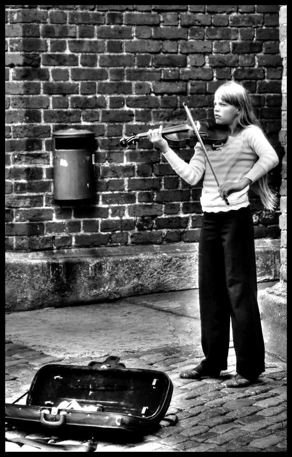 violinist girl.jpg