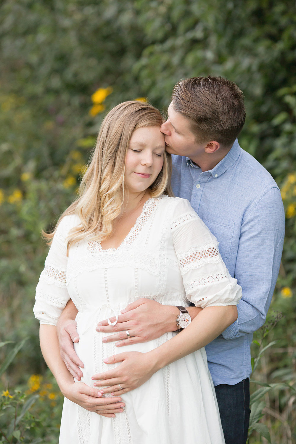 Louisville KY Maternity and Newborn Photographer | Julie Brock Photography | Outdoor Boho Maternity Photo Session | Louisville Family Photographer | Boho Maternity Dress