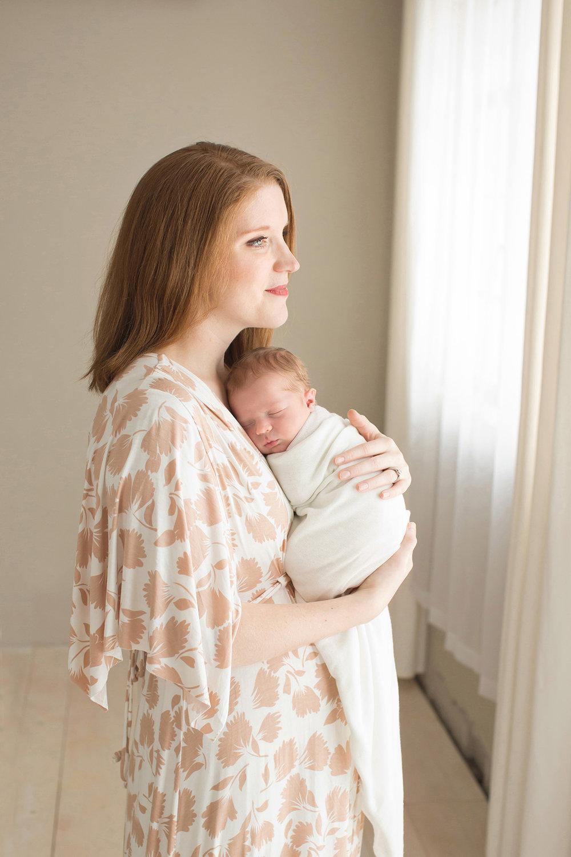 Louisville Ky Photographer | Julie Brock Photography | Louisville KY Newborn Photographer | Maternity | Newborn Photo Shoot with mom | Baby Photography in Louisville KY.jpg