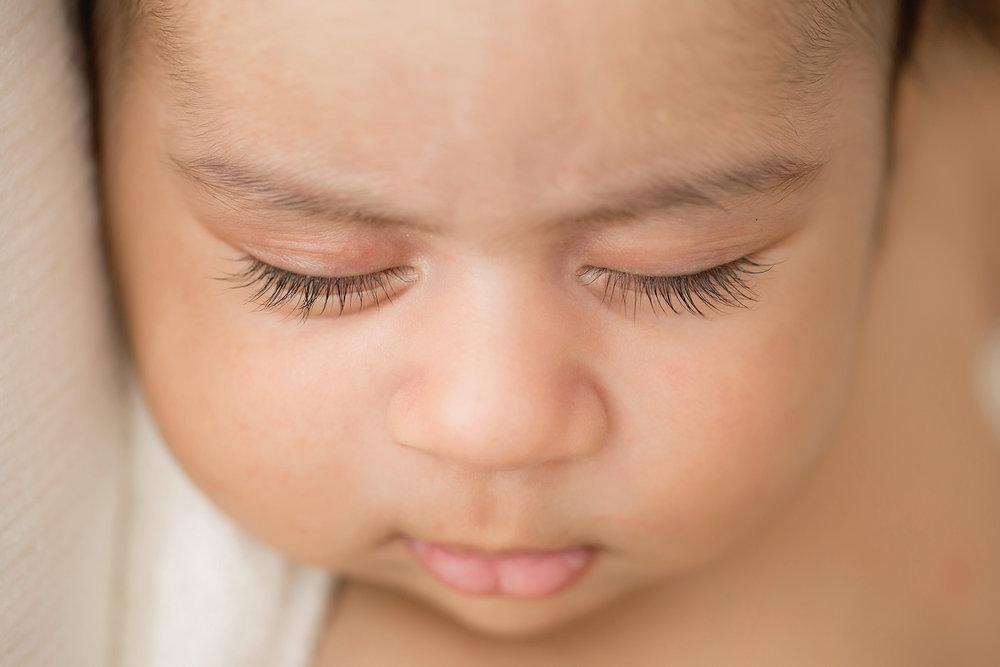 Louisville Newborn Photographer | Julie Brock Photography | Maternity Photographer | Family Photographer | perfect upclose photo of newborn baby.jpg